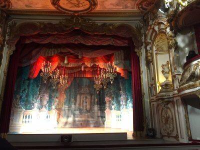 Theatre-chateau-chimay-labierebaladeuse.com